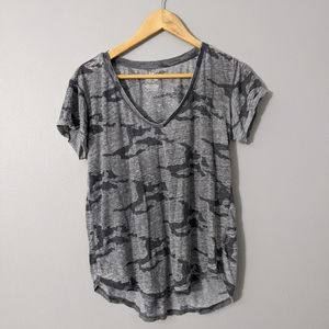 American Eagle Camo Short Sleeve Top | Small